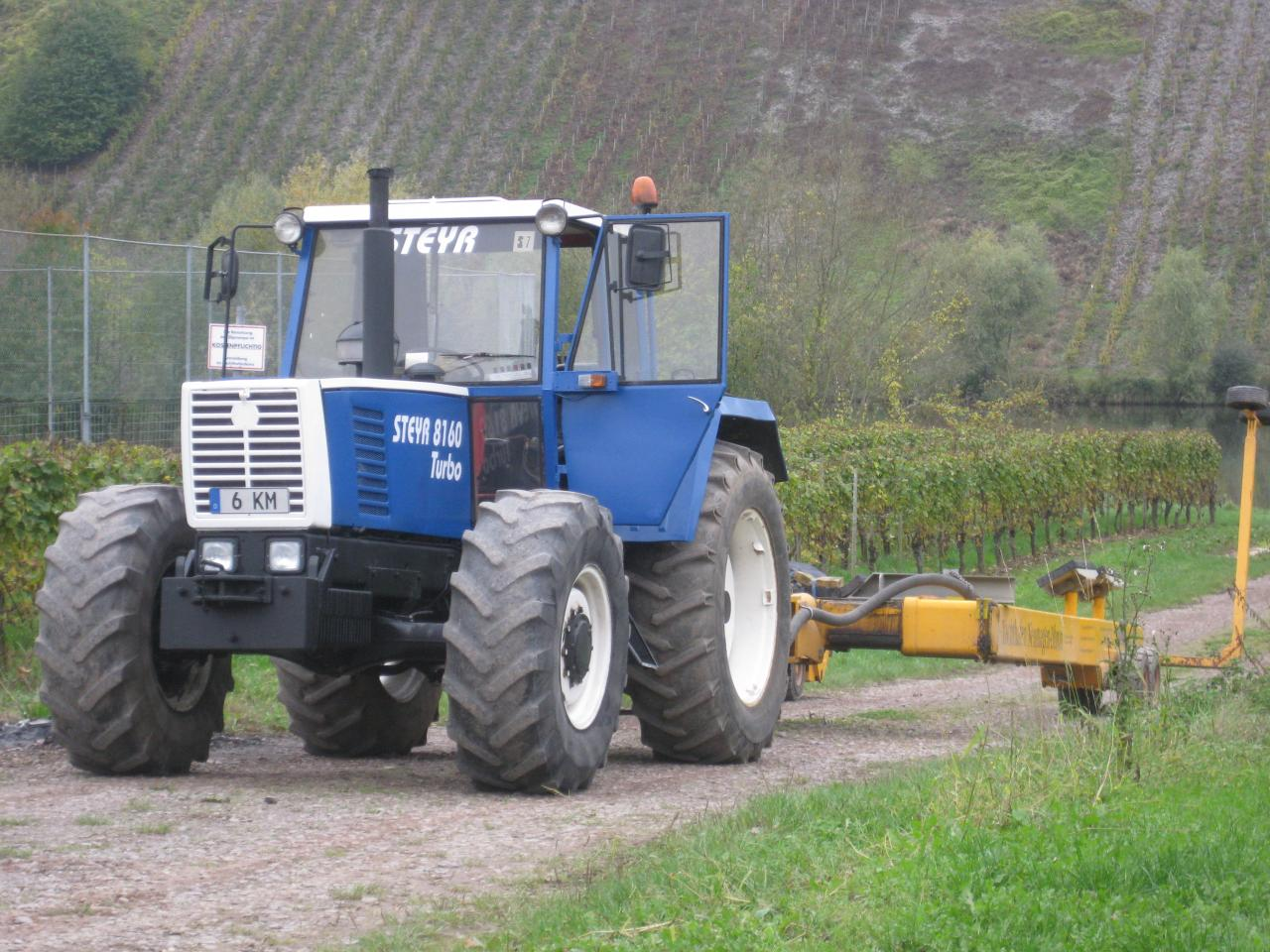 attente du tracteur et de sa remorque