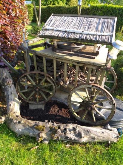 ma charette dans le jardin