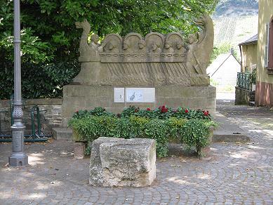 Sculpture en pierre du Navire