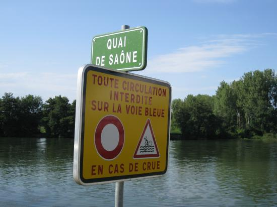 QUAI DE SAONE- ATTENTION AUX CRUES
