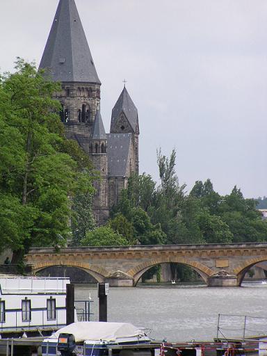 Vue du Port sur Metz