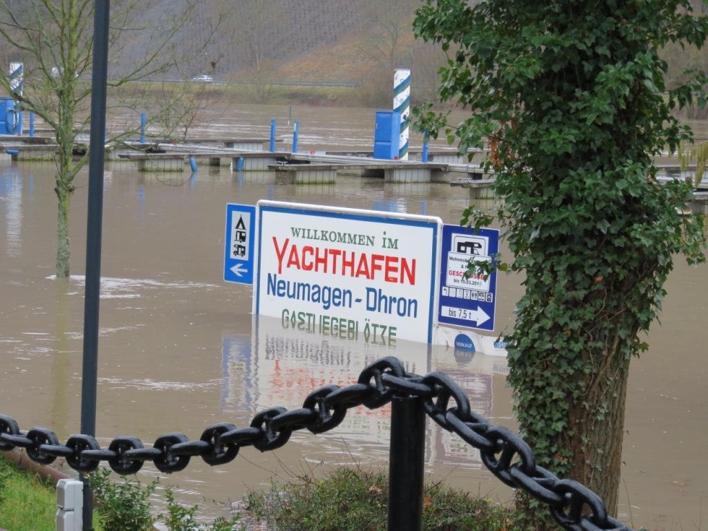 Pancarte sous eau