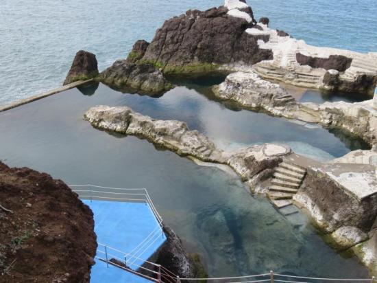 superbe piscine naturelle