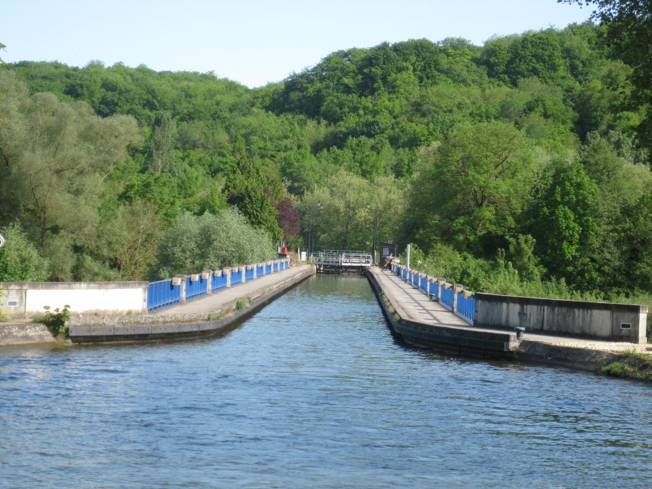 entrée pont canal